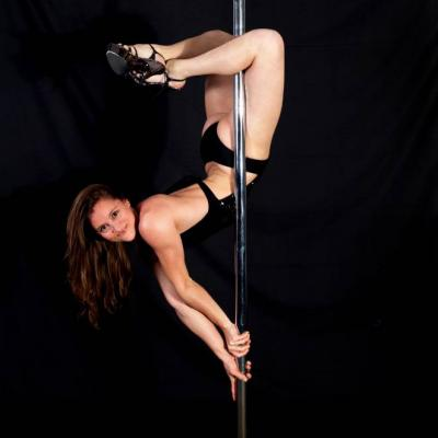 Shooting Pole Dance Folies